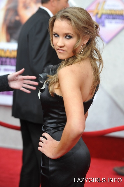 Emily osment wallpapers does emily osmet wear diapers